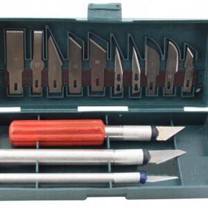 Набор из 13 модельных ножей