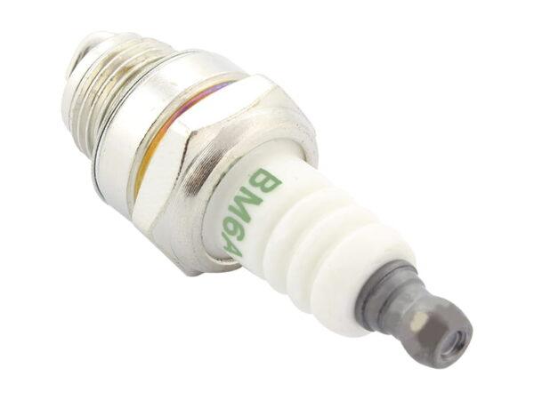 Свеча зажигания типа L7T для мотокосы и бензопилы